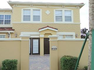 Luxury 4 Bed 2 Bath Waterstone Townhome, Just 15 Mins To Disney (AV2810BV) - Four Corners vacation rentals