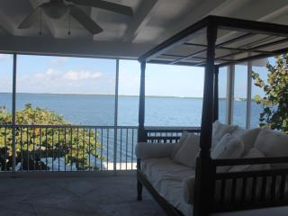 Gorgeous, Large Private Home w/open Bay & SwimSpa - Key Largo vacation rentals