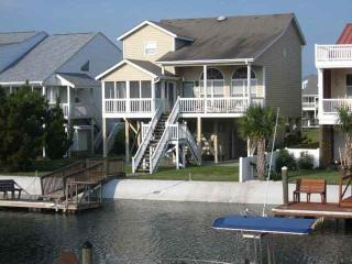 5br/4ba Canal Waterfront Home-25 Leland w/2 Kayaks - Ocean Isle Beach vacation rentals