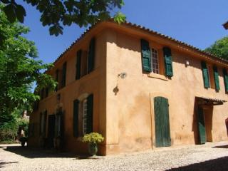 Holiday rental French farmhouses / Country houses Aix En Provence (Bouches-du-Rhône), 250 m², 5 500 € - France vacation rentals