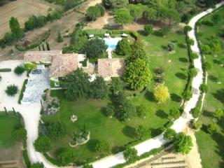 Holiday rental Villas Aix En Provence (Bouches-du-Rhône), 450 m², 12 500 € - France vacation rentals