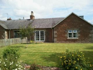 NUMBER FOUR COTTAGE, Mounthooly, Jedburgh, Scottish Borders - Lilliesleaf vacation rentals