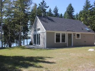 Apple Island Cottage - **COMES WITH 2 KAYAKS** - Stonington vacation rentals