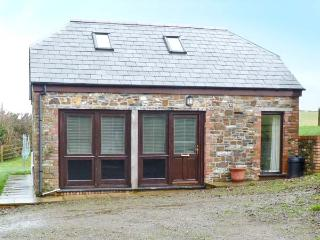 DOWNICARY CHAPEL STABLE, pet-friendly, woodburner, Launceston Ref 21860 - Pyworthy vacation rentals