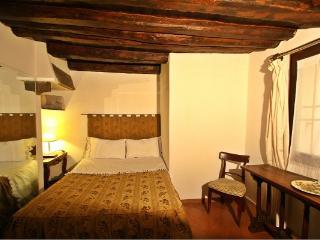 CR106bFR - Appartamento Orchidea - Florence vacation rentals