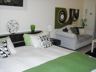Studio in Al Hamra village with beautiful views - Dubai vacation rentals