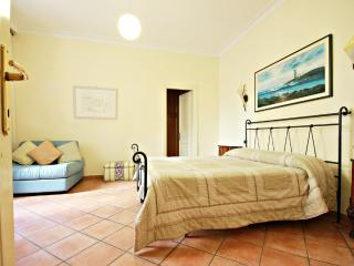 Rome, Via Veneto area, 2 BR, 2 BA, sleeps 7 - Rome vacation rentals
