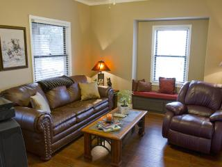 Walk to Award Winning Winiers,  Adorable 2 bedroom - Lodi vacation rentals
