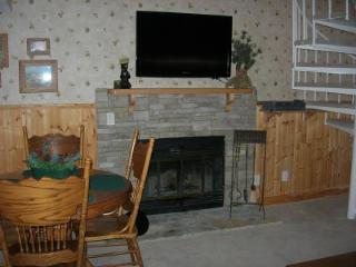 2 BR + Loft A301 Condo Comfy Beds - Gatlinburg vacation rentals