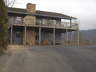 7 BR The Lodge Cabin Sleeps 18! - Gatlinburg vacation rentals