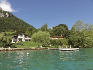 5 Star waterfront villa Le France for 10 p. Annecy - Bonifacio vacation rentals