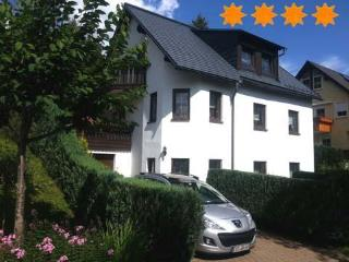 Vacation Apartment in Oberwiesenthal - 506 sqft, central, comfortable, modern (# 3554) - Saxony vacation rentals