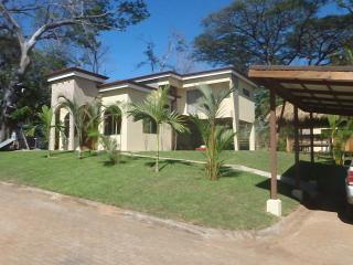 Casa Amada Rent 7 Nights Get Two FREE - Tambor vacation rentals