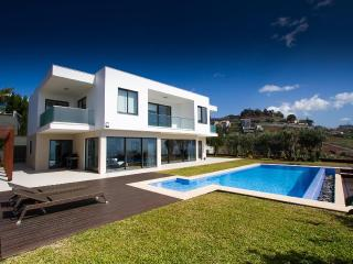3 bedroom villa with a pool in Funchal - Madeira - Funchal vacation rentals