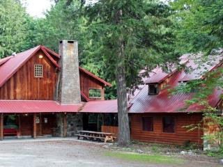 10 Bedrooms!  Split cost with family/friends! - Leavenworth vacation rentals