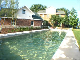 Aqua Meadowlark ** 6/19-6/26 $4600 HEATED POOL** - New Buffalo vacation rentals
