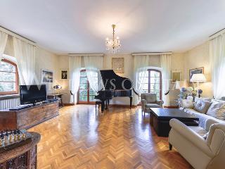 Incredible Hilltop View from Villa Carla - Arezzo vacation rentals