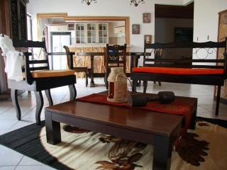 Full house, tasteful decor. 4bdr, secure, spacious - Heredia vacation rentals