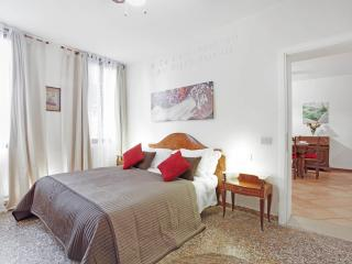 Apartment Lionello in Venice near Rialto and San Marco, located in Strada Nova, Cannaregio - Venice vacation rentals