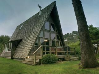 """Guests Say, """"It's the Coolest House in Yachats"""" - Yachats vacation rentals"""