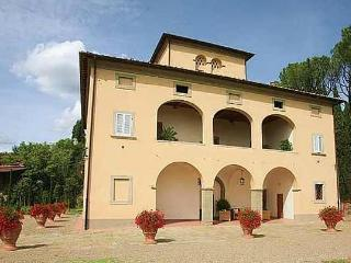Magnificent villa in Tuscany wineyards - Alberoro vacation rentals