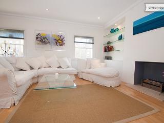 2 bedroom 2 bath with balcony, Maida Vale/Little Venice - London vacation rentals