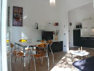 Charming apartment in villa near the beach - Milano Marittima vacation rentals