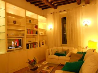 S.Rufina home. Elegant suite in the palace of '700 - Rome vacation rentals
