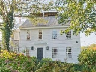 5 Bedroom 5 Bathroom Vacation Rental in Nantucket that sleeps 10 -(10366) - Image 1 - Nantucket - rentals