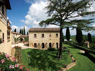 1559 - Pievescola vacation rentals