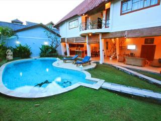 Villa Dolphin 2 Large Beds Seminyak Bali Indonesia - Denpasar vacation rentals