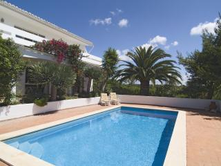 Lovely 3bdr villa next to famous Salema Beach - Almadena vacation rentals