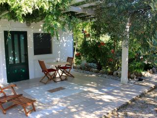 Cute bungalow for two on Mljet island - Saplunara vacation rentals