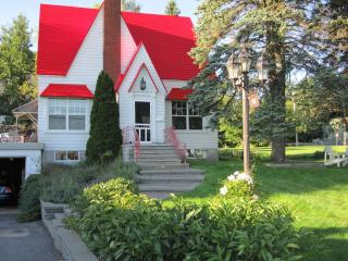 La Maison du Capitaine - Portneuf vacation rentals