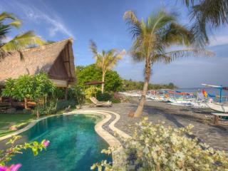 Island Hideaway, Island Style,  Amed - Amed vacation rentals