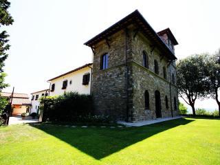 Apartment in Florence Villa of 15th century (90sq) - Castelfranco di Sopra vacation rentals