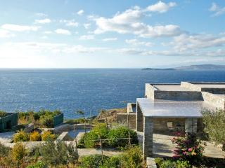 Family villa for 8, Andros, Aegean islands, Greece - Kato Aprovatou vacation rentals