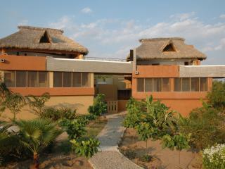 Villa Siyalito: 3BR Oceanfront Pto Escondido Home - Puerto Escondido vacation rentals
