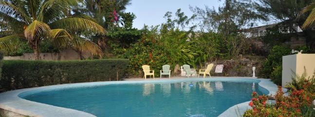 PARADISE PSC - 99792 - TRANQUIL | PEACEFUL | 4 BED | BEACHFRONT VILLA WITH POOL - RUNAWAY BAY - Image 1 - Runaway Bay - rentals