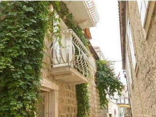 Charming two bedroom studio apartment near center Trogir - Seget Donji vacation rentals