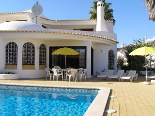 Charming villa in peaceful residential location - Albufeira vacation rentals