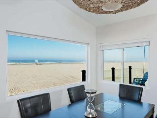 3549- Contemporary Retreat ~ Hollywood Beach Oceanfront - Oxnard vacation rentals