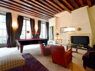 2 Bed Apartment  in the Artistic St Germain - Paris vacation rentals