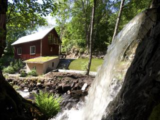 Hjalmared mill - Swedish Lakeland vacation rentals