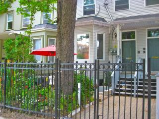 Executive Underground, Bed & Breakfast Apartment - Toronto vacation rentals