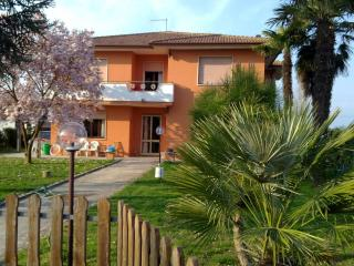 Le Palme Bed and Breakfast - Sant'Elena vacation rentals
