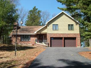 Pine Ridge Shores on Castle Rock, near WI Dells - Arkdale vacation rentals