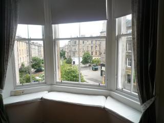 Montgomery: Spacious, quiet, central apartment - Edinburgh vacation rentals