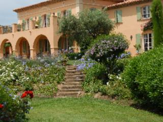 Gorgeous 6 Bedroom Villa with Pool and Garden, French Riviera - Grimaud vacation rentals