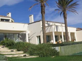 Ramatuelle Luxury 6 Bedroom House with a Lovely Garden - Var vacation rentals